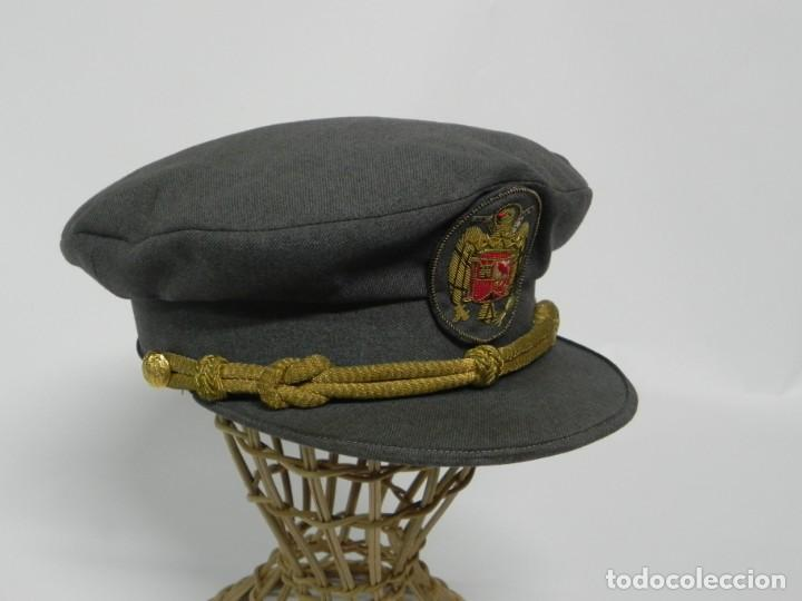 Militaria: ANTIGUA GORRA DE PLATO DE JERARCA DE FALANGE EN BUEN ESTADO DE CONSERVACION, CASA YUSTAS, TAL COMO S - Foto 2 - 257333590