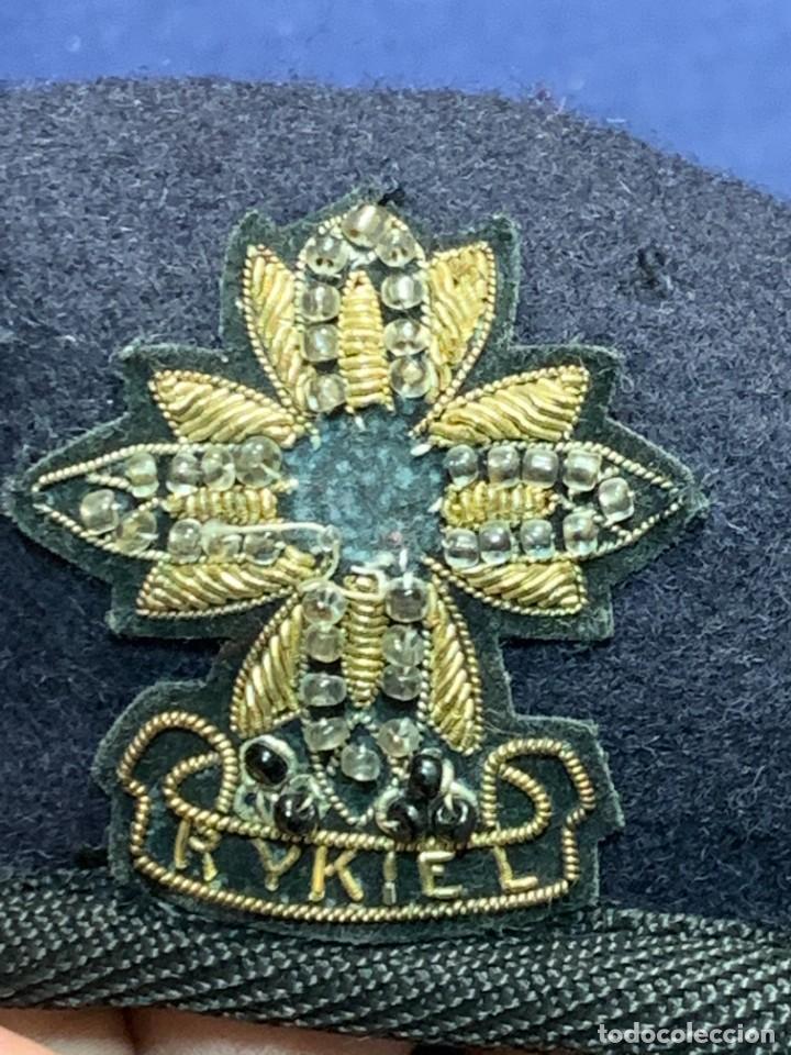 Militaria: BOINA MILITAR INGLESA ESCUDO RYKIEL BORDADO INDIA ARMY EQUIPPERS NEW DELHI T 54 24X26CMS - Foto 4 - 259998325
