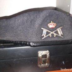 Militaria: BOINA CABALLERIA,CARRISTA + GUANTES TACTICOS. Lote 261343025