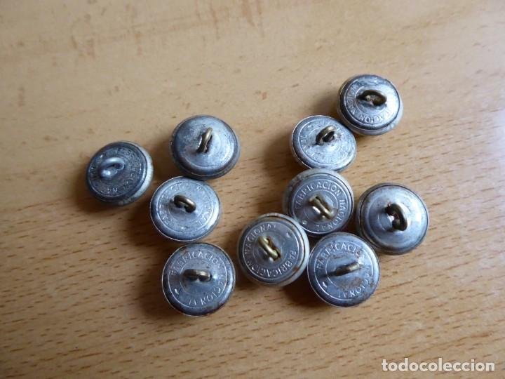 Militaria: Botones pequeños plateados Policía Armada y Guardia Civil. - Foto 3 - 261954305