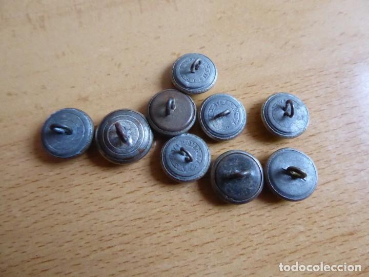 Militaria: Botones pequeños plateados Policía Armada y Guardia Civil. - Foto 4 - 261954490