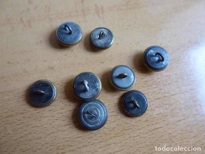 Militaria: Botones pequeños dorados Policía Armada y Guardia Civil. - Foto 4 - 261954550