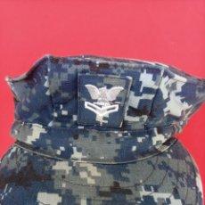 Militaria: US NAVY GORRA PIXELADA EN AZUL. Lote 262281060