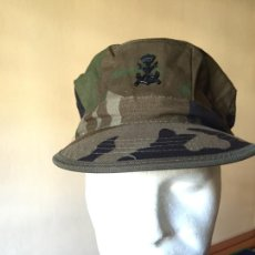 Militaria: INFANTERIA DE MARINA, GORRA WOODLAND CON EMBLEMA, MANUFACTURAS VALLE. Lote 263042535
