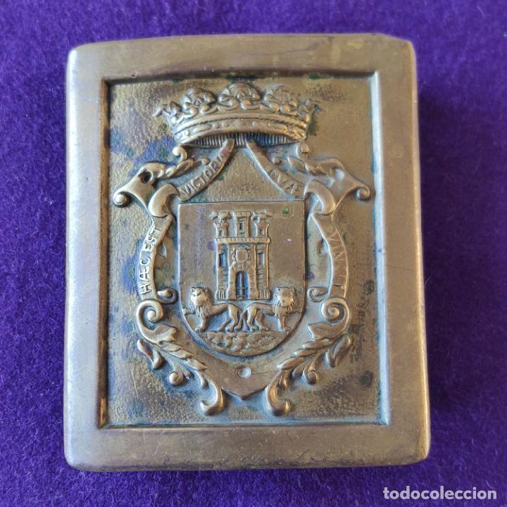 ANTIGUA HEBILLA DE CINTURON POLICIA MUNICIPAL VITORIA-GASTEIZ. ORIGINAL. ALAVA. (Militar - Cinturones y Hebillas )