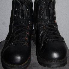 Militaria: BOTAS MILITARES DE ALTA MONTAÑA KAMEL XOGORI FABRICACION ESPAÑOLA Nº 44 AÑOS 90. Lote 277100048