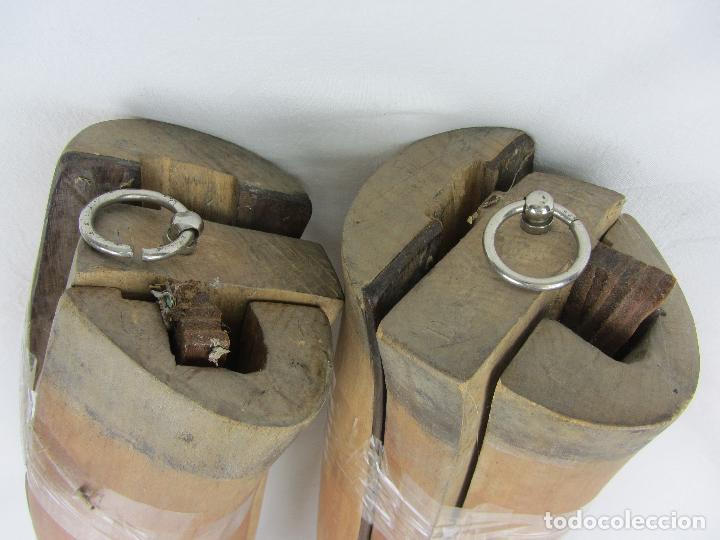 Militaria: Antiguas hormas de madera para botas de montar. Hacia 1920 - 30 - Foto 2 - 288019793