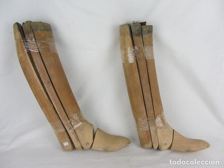 Militaria: Antiguas hormas de madera para botas de montar. Hacia 1920 - 30 - Foto 3 - 288019793