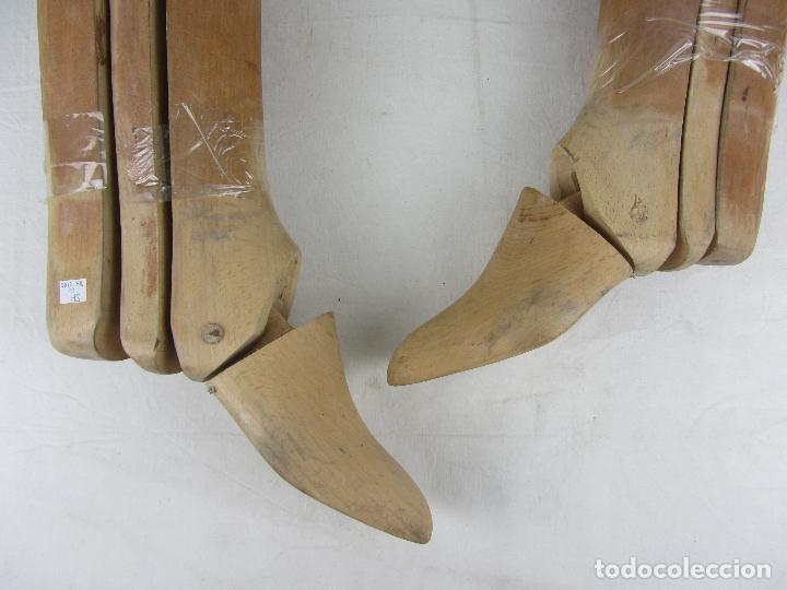 Militaria: Antiguas hormas de madera para botas de montar. Hacia 1920 - 30 - Foto 6 - 288019793