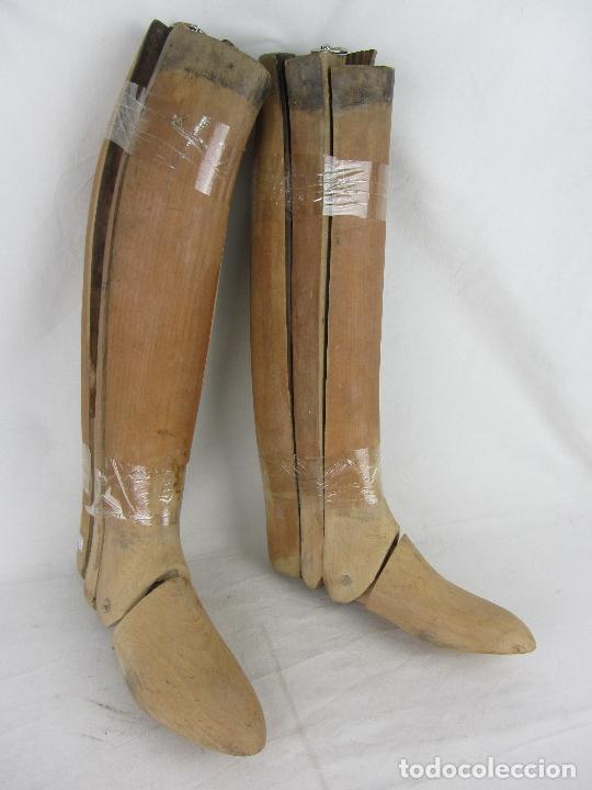 ANTIGUAS HORMAS DE MADERA PARA BOTAS DE MONTAR. HACIA 1920 - 30 (Militar - Botas y Calzado)