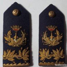 Militaria: ANTIGUAS Y PRECIOSAS PALAS DE HOMBRO - HOMBRERAS - INGENIERO NAVAL - BORDADAS EN HILO DE ORO - EPOCA. Lote 294079813