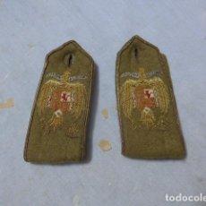 Militaria: * ANTIGUAS HOMBRERAS BORDADAS DE ABRIGO DE OFICIAL FRANQUISTA, ORIGINAL, AÑOS 40 DE FRANCO. ZX. Lote 295516753