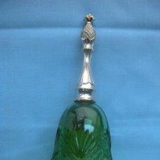Miniaturas de perfumes antiguos: BOTELLA DE COLONIA AVON CON FORMA DE CAMPANA. Lote 29414321