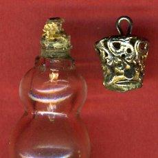 Miniaturas de perfumes antiguos: BOTELLITA MINIATURA PERFUMERO ,PERFUME, TAPON CORONA , ORIGINAL, G. Lote 31832795