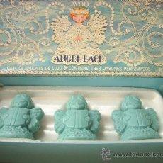 Miniaturas de perfumes antiguos: ANTIGUA CAJA DE 3 JABONES AVON AÑOS 70 ANGELITOS. Lote 33524635