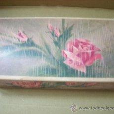 Miniaturas de perfumes antiguos: CAJA DE 3 JABONES ROSA AVON AÑOS 70. Lote 190290371