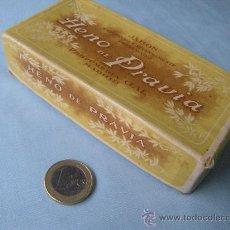 Miniaturas de perfumes antiguos: ANTIGUA CAJA DE CARTÓN JABÓN HENO DE PRAVIA PERFUMERÍA GAL, MADRID.. Lote 34129424