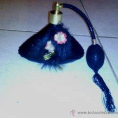 Miniaturas de perfumes antiguos: BOTELLA DE PERFUME CON ATOMIZADOR. Lote 35508496