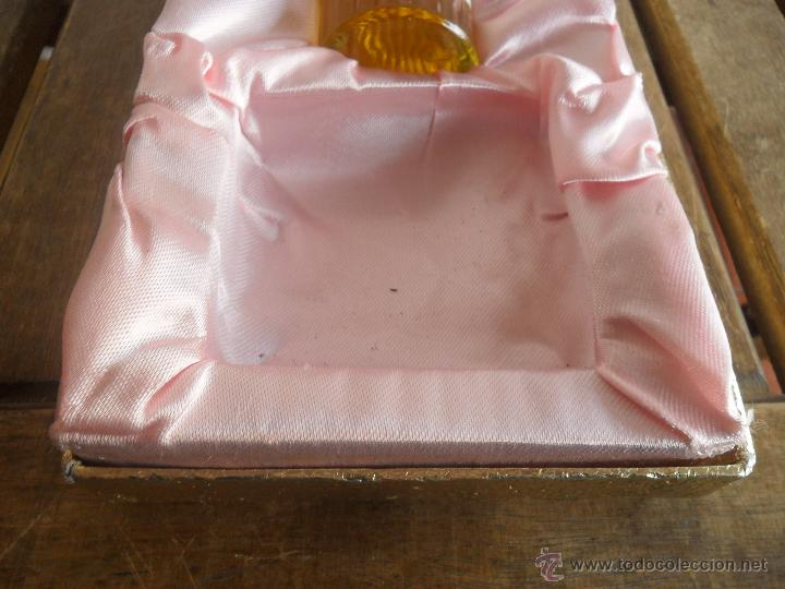 Miniaturas de perfumes antiguos: ESTUCHE DE COLONIA ROSALEDA DE VERA LE FALTA LA PASTILLA - Foto 3 - 40988072