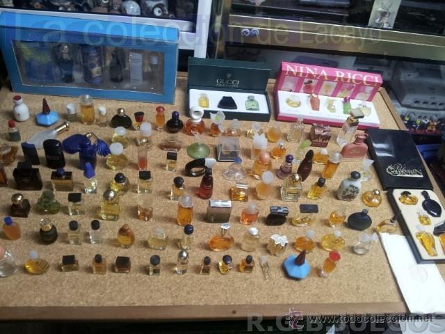COLECCION DE 120 PERFUMES MINIATURAS GRANDES MARCAS Y ANTIGUOS (Coleccionismo - Miniaturas de Perfumes)