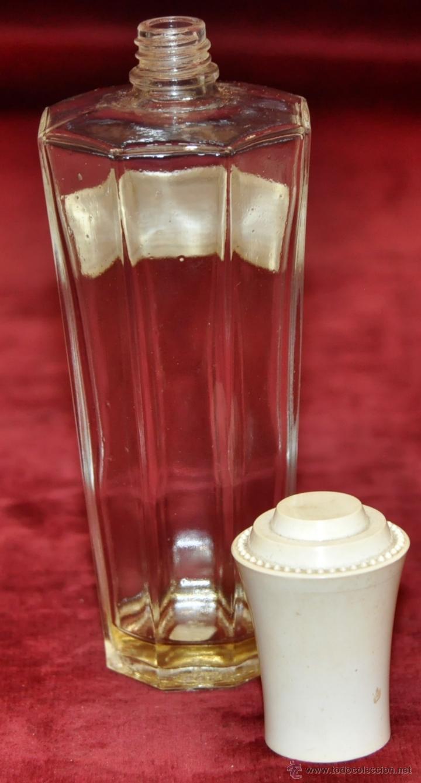 Miniaturas de perfumes antiguos: LOTE DE 10 BOTELLAS DE PERFUME ANTIGUAS, VARIOS MODELOS Y AÑOS - Foto 7 - 114979546