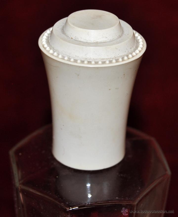 Miniaturas de perfumes antiguos: LOTE DE 10 BOTELLAS DE PERFUME ANTIGUAS, VARIOS MODELOS Y AÑOS - Foto 10 - 114979546