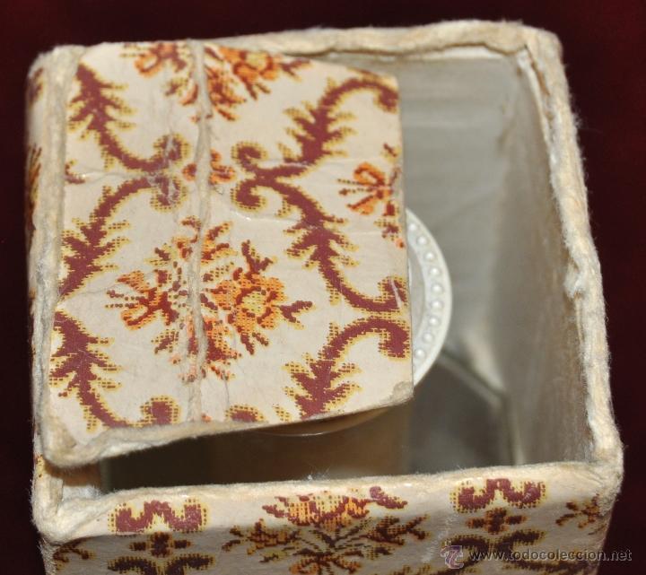 Miniaturas de perfumes antiguos: LOTE DE 10 BOTELLAS DE PERFUME ANTIGUAS, VARIOS MODELOS Y AÑOS - Foto 13 - 114979546