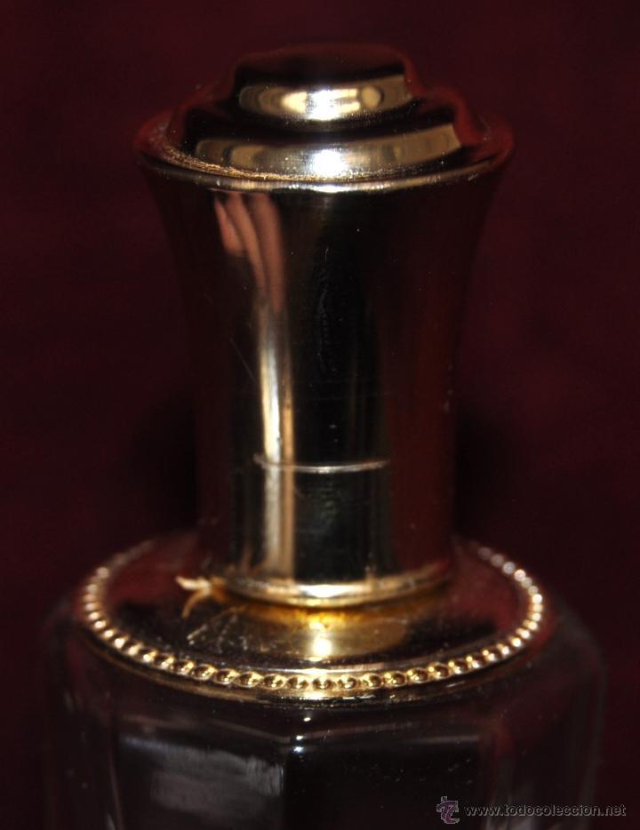 Miniaturas de perfumes antiguos: LOTE DE 10 BOTELLAS DE PERFUME ANTIGUAS, VARIOS MODELOS Y AÑOS - Foto 17 - 114979546