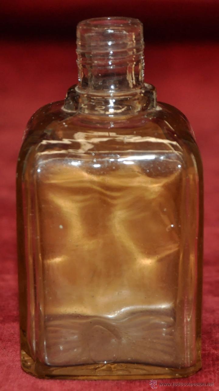 Miniaturas de perfumes antiguos: LOTE DE 10 BOTELLAS DE PERFUME ANTIGUAS, VARIOS MODELOS Y AÑOS - Foto 35 - 114979546