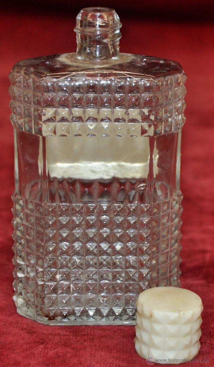Miniaturas de perfumes antiguos: LOTE DE 10 BOTELLAS DE PERFUME ANTIGUAS, VARIOS MODELOS Y AÑOS - Foto 39 - 114979546