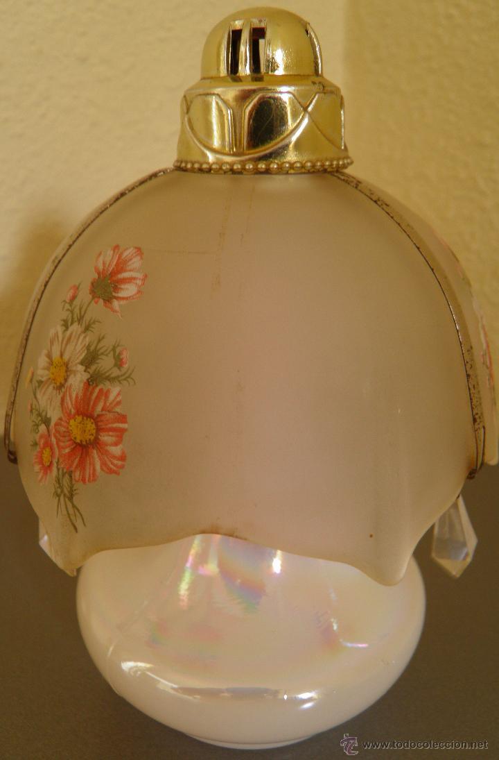 Miniaturas de perfumes antiguos: AMBIENTADOR AVÓN CON FORMA DE LAMPARA O QUINQUE CON BASE DE CRISTAL NACARADO,AÑOS 70 - Foto 2 - 45560865
