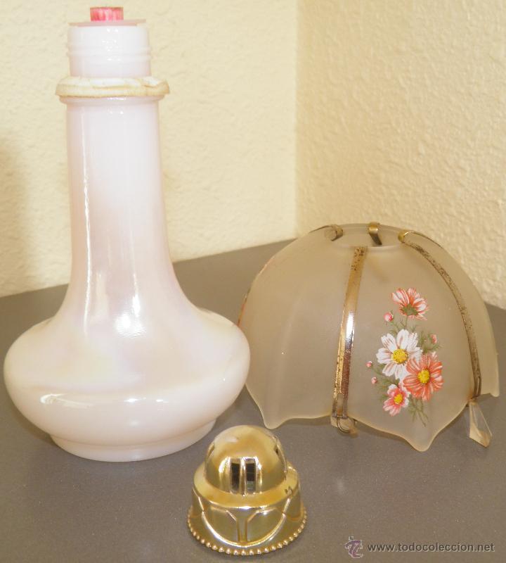 Miniaturas de perfumes antiguos: AMBIENTADOR AVÓN CON FORMA DE LAMPARA O QUINQUE CON BASE DE CRISTAL NACARADO,AÑOS 70 - Foto 4 - 45560865