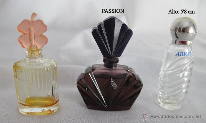 Miniaturas de perfumes antiguos: LOTE DE 38 MINIATURAS DE PERFUME DIOR GIVENCHY LANCOME CARTIER Y OTRAS - Foto 6 - 115775716