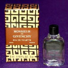 Miniaturas de perfumes antiguos: ANTIGUO FRASCO MINIATURA DE PERFUME MONSIEUR DE GIVENCHY. PARIS. EAU DE TOILETTE.EN SU CAJA ORIGINAL. Lote 52460989
