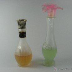 Miniaturas de perfumes antiguos: COLONIA AVÓN. PAREJA DE BOTES VINTAGE COLONIA GIVRÉE Y VELVET. 20 CM Y 15 CM. Lote 53783050