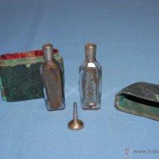 Miniaturas de perfumes antiguos: ESTUCHE CAJA PERFUMEROS EN CRISTAL Y PLATA PRINCIPIOS DE SIGLO XIX. Lote 54241161