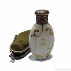 Miniaturas de perfumes antiguos: ANTIGUO PERFUME PERFUMERO EN PORCELANA Y TAPON DE PLATA DECORADO EN PAN DE ORO- FINALES S.XIX . Lote 55862125