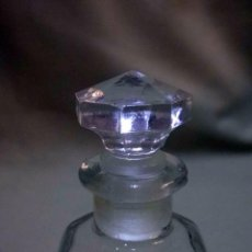 Miniaturas de perfumes antiguos: ANTIGUO FRASCO DE PERFUME, DE CRISTAL TAPON ESMERILADO, MARCA JUPER, 1930S. Lote 56097491
