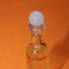 Miniaturas de perfumes antiguos: MINIATURA DE PERFUME ELIZABETH ARDEN - SPLENDOR. ORIGINAL. ALTURA 63 MM INCLUÍDO TAPÓN.. Lote 138711104
