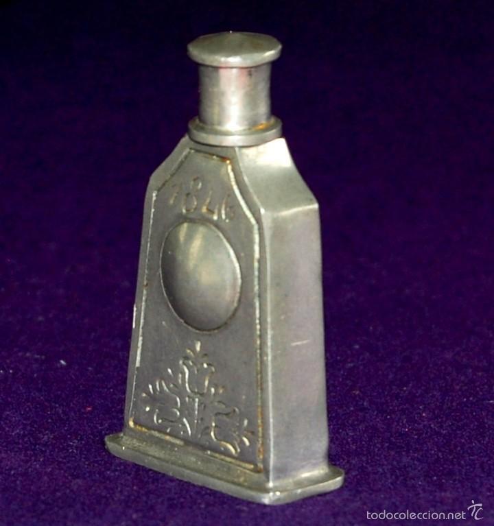 Miniaturas de perfumes antiguos: ANTIGUO PERFUMERO. AÑO 1846. DE ESTAÑO. EL REI- PORTUGAL. FRASCO PERFUME MINIATURA. - Foto 3 - 56818810