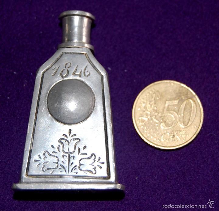 Miniaturas de perfumes antiguos: ANTIGUO PERFUMERO. AÑO 1846. DE ESTAÑO. EL REI- PORTUGAL. FRASCO PERFUME MINIATURA. - Foto 4 - 56818810