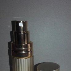 Miniaturas de perfumes antiguos: VAPORIZADOR, ATOMIZADOR O PERFUMADOR DE BOLSO - DORADO 9,5CM. Lote 57124602