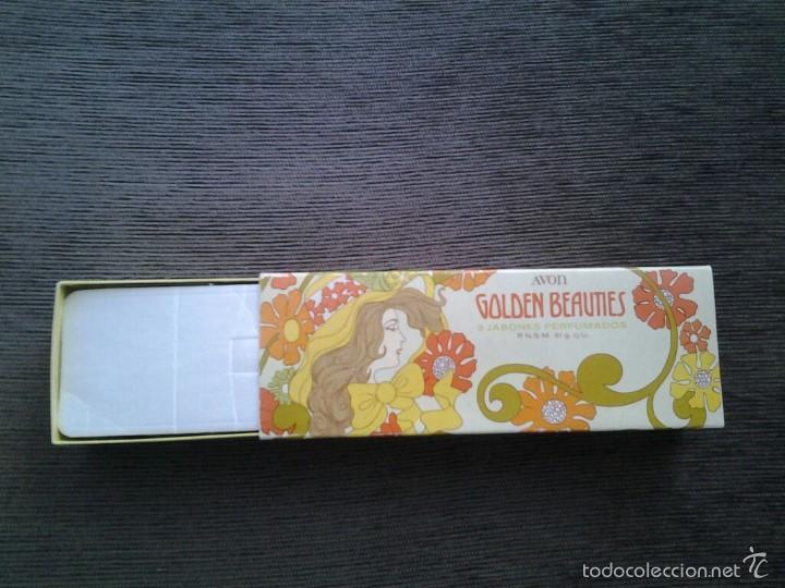Miniaturas de perfumes antiguos: Cajita de Avón -- Golden Beauties -- con 3 jabones perfumados ( 61 g. c/u ) -- Perfecto Estado -- - Foto 3 - 57226221