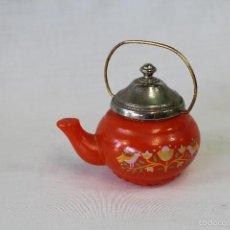 Miniaturas de perfumes antiguos: BOTELLA TETERA COLONIA AVON LILAC AÑOS 60. Lote 57942362