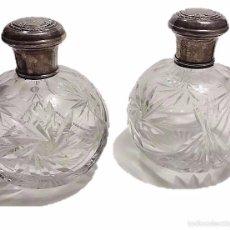 Miniaturas de perfumes antiguos: ANTIGUO CONJUNTO DE DOS BOTELLAS DE PERFUME O TOCADOR EN CRISTAL TALLADO Y PLATA - PRINCIPIOS S.XX. Lote 52279206
