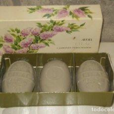 Miniaturas de perfumes antiguos: JABON AVON,CAJA DE 3 JABONES AVON.. Lote 67864769