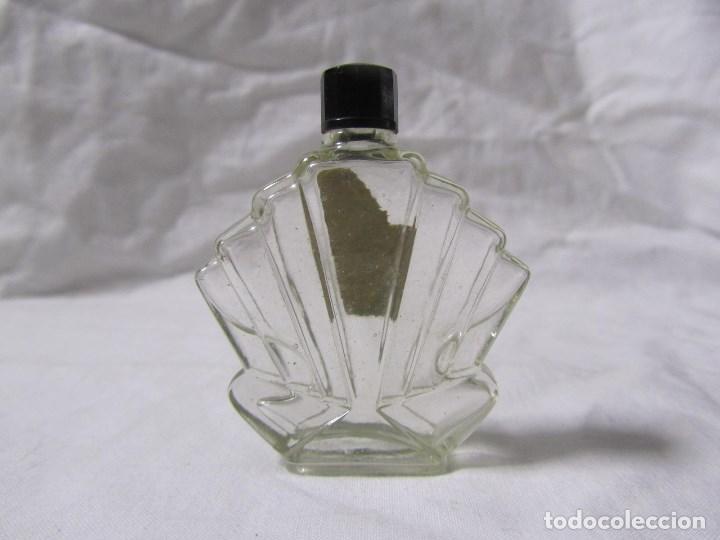 Miniaturas de perfumes antiguos: Frasco de perfume modernista Principios del siglo XX Vidrio y baquelita - Foto 2 - 68272041