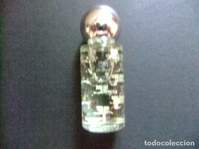 Miniaturas de perfumes antiguos: MINIATURE EAU DE TOILETTE - COURREGES - - FRANCE - 0.17 fl oz 5 ml - Foto 3 - 78381453