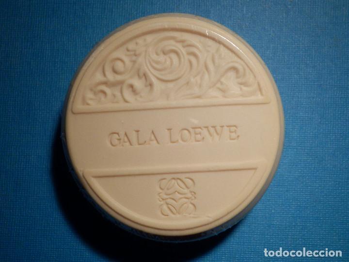 Miniaturas de perfumes antiguos: Antigua Pastilla de Jabón - Loewe - Gala - Nueva sin descrepintar en su caja original - - Foto 2 - 80363313