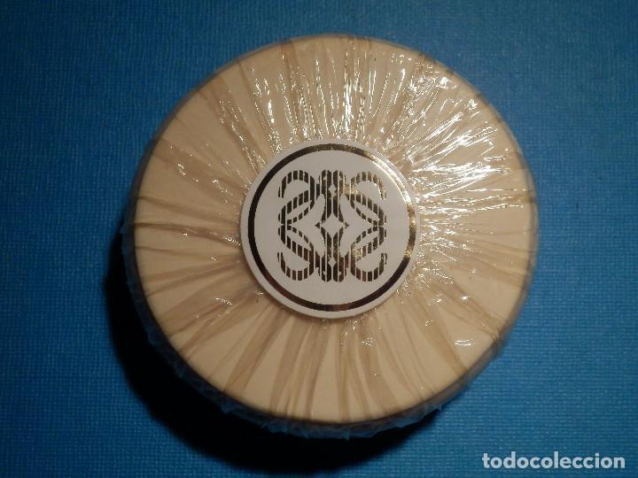 Miniaturas de perfumes antiguos: Antigua Pastilla de Jabón - Loewe - Gala - Nueva sin descrepintar en su caja original - - Foto 3 - 80363313